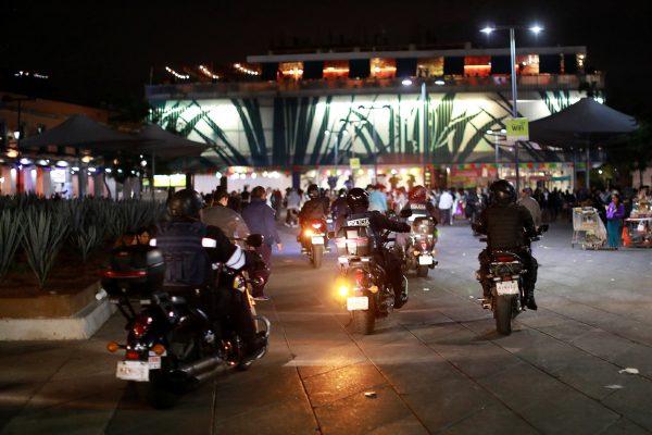 Policemen leave crime scene