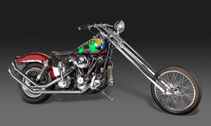 Customized  1994  Harley-Davidson  Police  Special  motorcycle,  deposited  May  29,  1995 at the  Vietnam  Veterans  Memorial in Washington. (Bruce  White)