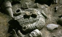 Chinese Court Sentences Police Officers Complicit in Raiding Ancient Tombs