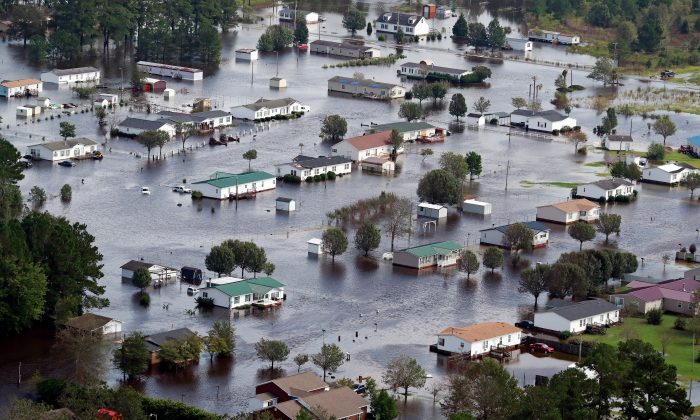 Houses sit in floodwater caused by Hurricane Florence on the outskirts of Lumberton, N.C., on Sept. 17, 2018. (Jason Miczek/Reuters)