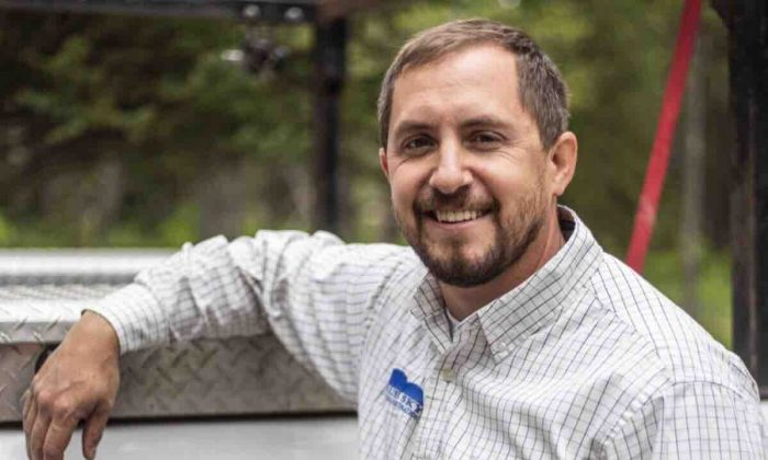 Mark Uptain, a Wyoming hunting guide, in a file photo. Uptain was mauled to death by grizzly bears while hunting on Sept. 14, 2018. (Mark Uptain's Wife & Kids/GoFundMe)