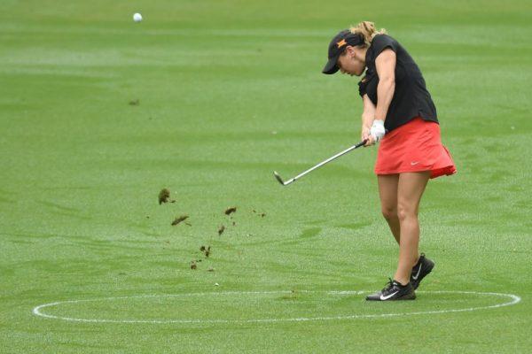 Celia Barquin Arozamena at a golf tournament