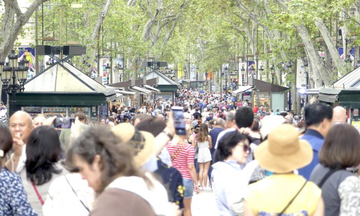 La Rambla boulevard, a favorite among tourists, in Barcelona, Spain, on Sept. 9, 2018. (Anna Llado/Special to The Epoch Times)