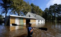 North Carolina Governor Pleads With Storm Evacuees to Be Patient
