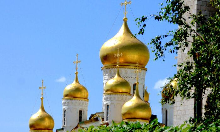 Golden domes in the Kremlin Complex. (Barbara Angelakis)