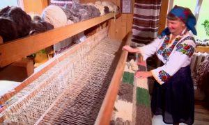 Mountain People Celebrate Traditional Woolen Blankets