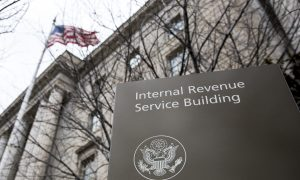 Top Democrats Push IRS to Extend Tax-Filing Deadline, Citing Pandemic