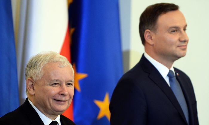 Polish President Andrzej Duda (R) and the leader of PiS (Law and Justice) party Jaroslaw Kaczynski attend the prime minister's nomination ceremony on Nov. 13, 2015. (Janek Skarzynski/AFP/Getty Images)