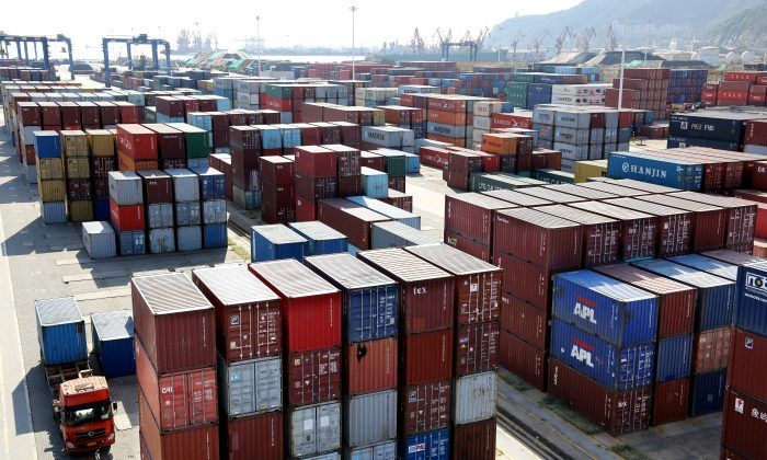 Shipping containers at a port in Lianyungang, Jiangsu Province, China on Sept. 8, 2018. (Stringer/Reuters)