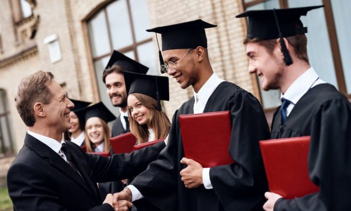 Strong relationships with professors are key to a rewarding college experience, a new poll finds. (VGstockstudio/shutterstock)