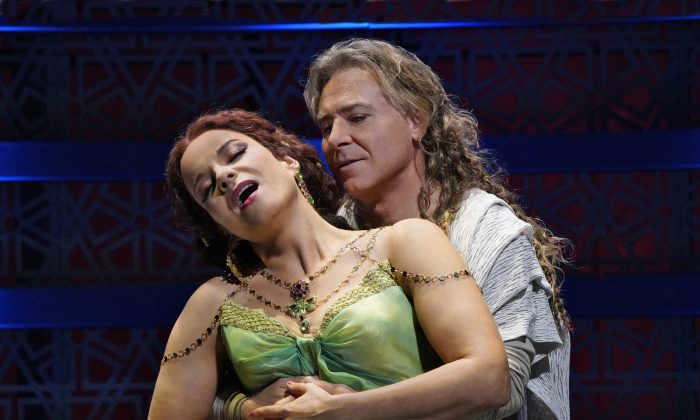 Elina Garanca and Roberto Alagna in The Metropolitan Opera production of 'Samson et Dalila.' (Ken Howard / The Metropolitan Opera)