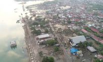 Indonesia Tsunami: Race Continues to Rescue Survivors Trapped in Rubble