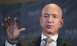 Amazon Ups Hourly Wage to $15, Will Advocate for Higher Pay
