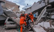 Indonesian Leader Steps Up Hunt for Survivors as Quake Toll Passes 1,200