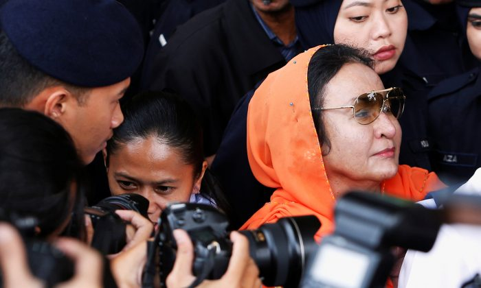 Rosmah Mansor, wife of Malaysia's former Prime Minister Najib Razak, leaves a court in Kuala Lumpur, Malaysia October 4, 2018. (Lai Seng Sin/Reuters)