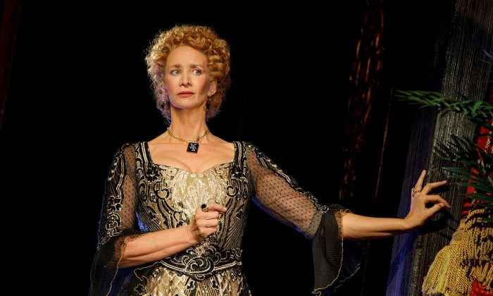"""Janet McTeer as the international star of the late-19th centry, actress Sarah Bernhardt, in a new play by Theresa Rebeck, """"Bernhardt/Hamlet."""" (Joan Marcus)"""