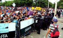 "Venezuelan Exodus a ""Monumental Crisis"": UN High Commissioner for Refugees"