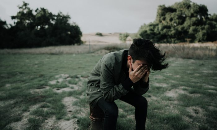 People who are depressed are more likely to be prescribed opioids, and people who are prescribed opioids are more likely to become depressed. (Francisco Gonzalez/Unsplash)