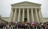 Video of Dancing Girl Went Viral After Attacking Elderly Man at the Supreme Court