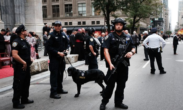 New York City police keep guard during the annual Columbus Day parade in New York City on Oct. 8, 2018. (Spencer Platt/Getty Images)