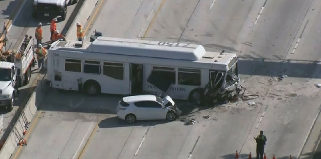 freeway bus crash in la injures 25