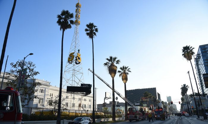 A radio tower in Hollywood, California, on May 11, 2016. (ROBYN BECK/AFP/Getty Images)