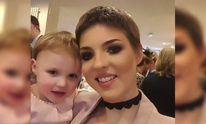 Gemma Nuttall, pictured with her daughter, found out that she had ovarian cancer when she was four months pregnant in 2013. (Photo via GoFundMe)