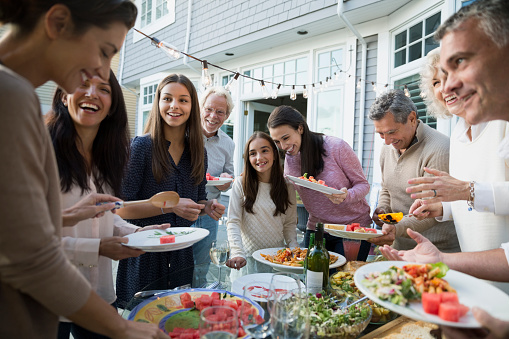 The ultimate family gathering—a family reunion—is a great way to connect family members together. (GettyImage)