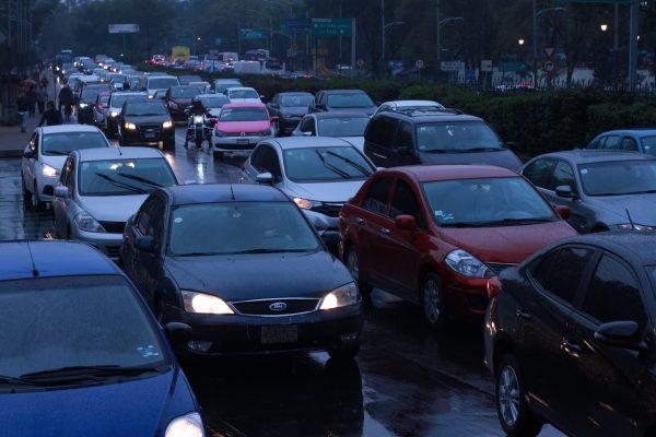 Cars stuck in traffic on Mexico City's Paseo de la Reforma.