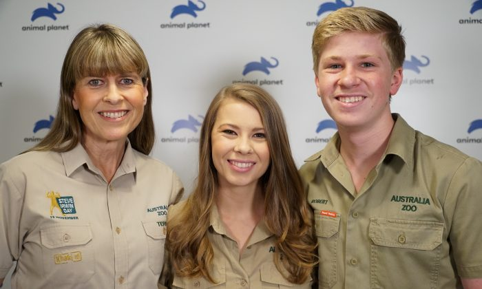 Terri, wife of the late Steve Irwin, her daughter Bindi and son Robert, pose together at the launch of their new family show on the Animal Planet television channel in London, Britain, on Sept. 26, 2018. (Reuters/Will Russell)
