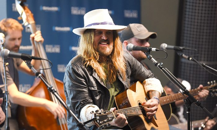 Billy Ray Cyrus Performs on SiriusXM's Prime Country Channel at the SiriusXM Nashville Studios on October 11, 2018. (Jason Kempin/Getty Images for SiriusXM)