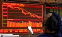 Slump Persists, China Fails to Stimulate Markets Hobbled by Pledged Shares