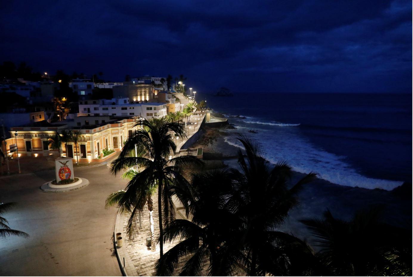 Hurricane Willa approaches the coast