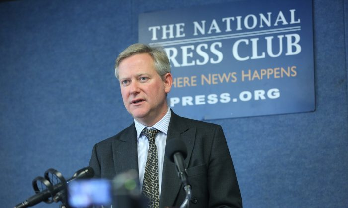 "Stewart Paterson launches his newly published book, ""China, Trade and Power: Why the West's Economic Engagement Has Failed,"" at the National Press Club in Washington on Oct. 23, 2018 (Jennifer Zeng/The Epoch Times)"