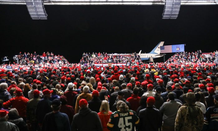 President Donald Trump at a Make America Great Again rally in Mosinee, Wis., on Oct. 24, 2018. (Charlotte Cuthbertson/The Epoch Times)