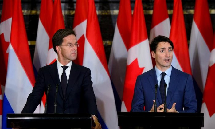 Prime Minister of the Netherlands Mark Rutte (L) and Canadian Prime Minister Justin Trudeau hold a joint press conference on Parliament Hill in Ottawa on Oct. 25, 2018. (The Canadian Press/Sean Kilpatrick)