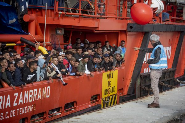 migrants arrive port San Roque