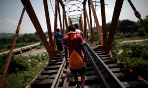 Seven Children Rescued From Human Smugglers in Migrant Caravan