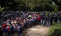 Third Migrant Caravan Heads Toward Mexico as Second Caravan Gets Violent at Border