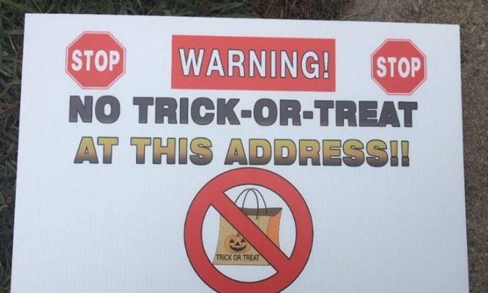 """A Georgia sheriff said that he was placing """"no trick-or-treat"""" signs in the yard of sex offenders for Halloween 2018. (Butts County Sheriff's Office)"""