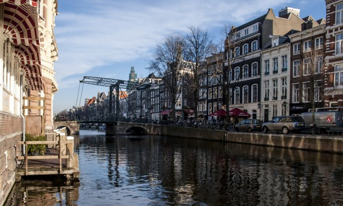 An Amsterdam canal in this file photo. (Belen Estrella Fiallo/Special to The Epoch Times)