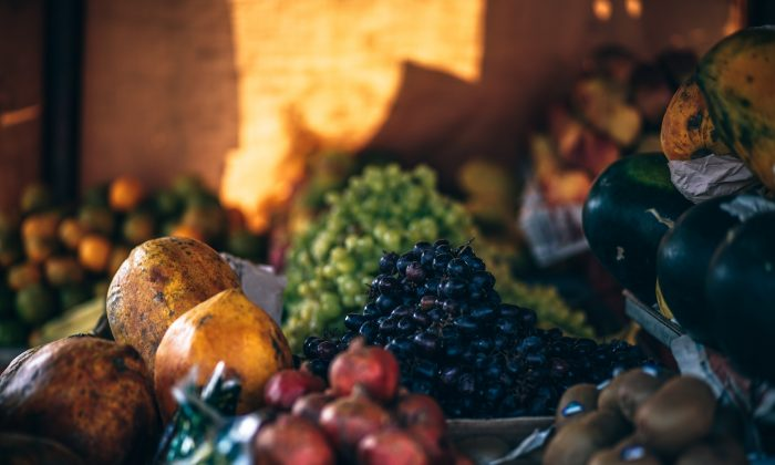 Fruit is delicious and healthy but eating it can be tricky for diabetics if they don't know how to balance it properly. (Fancycrave/Unsplash)
