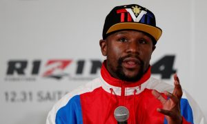 Floyd Mayweather Announces Support of NBA's Kyrie Irving Amid Vaccine Controversy
