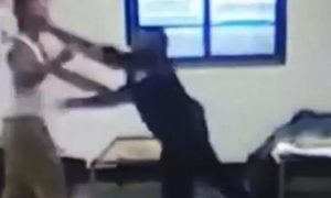 Video: New York Jail Guard, Inmate Get Into a Brawl