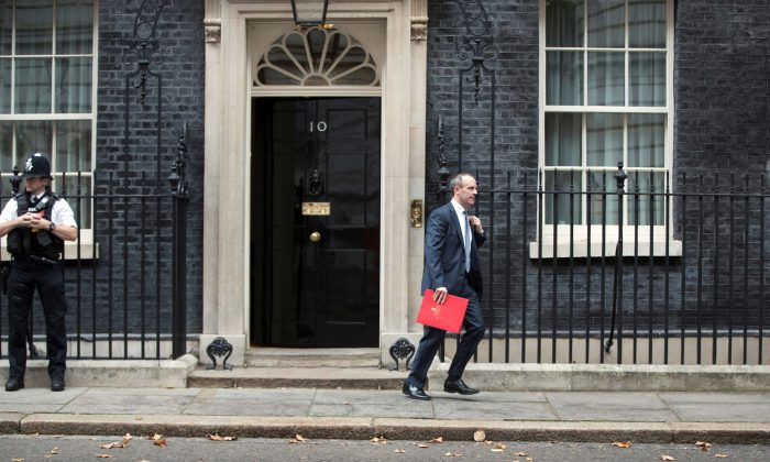 Britain's Secretary of State for Exiting the European Union, Dominic Raab, leaves 10 Downing Street after a cabinet meeting, in London on Nov. 6, 2018. (Reuters/Simon Dawson)