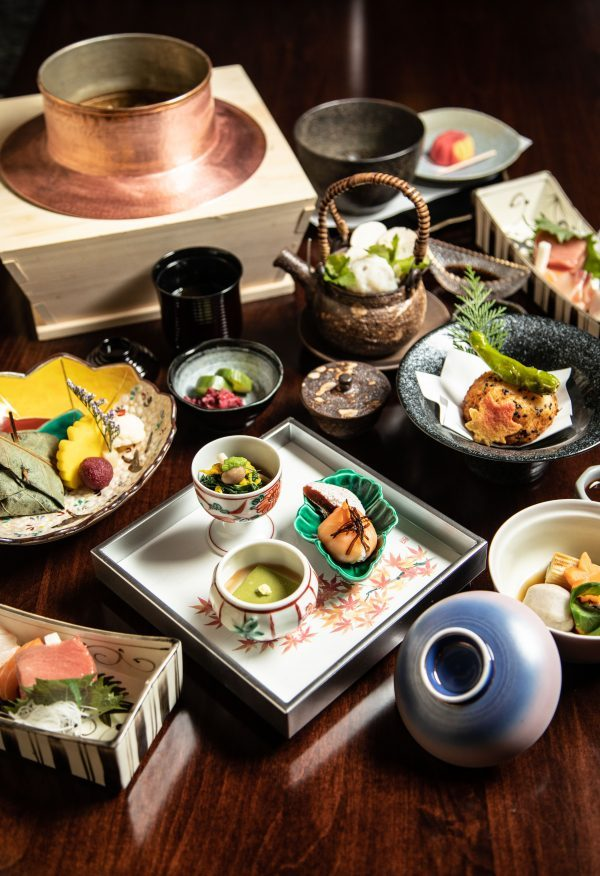 Kaiseki-spread-at-Suzuki-600x876