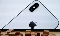 Apple's Top Retail Exec to Leave Amid iPhone Sales Slowdown