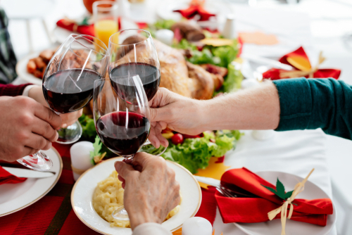 Well-paired drinks can make Thanksgiving dinner all the more memorable. (Shutterstock)