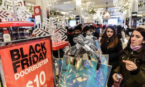 Black Friday Shoppers Brave Cold, Long Lines in Hunt for Deals
