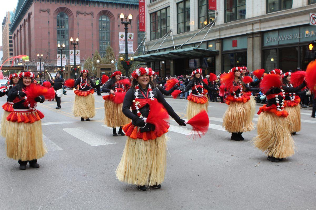 Hawaiin dancers in the parade